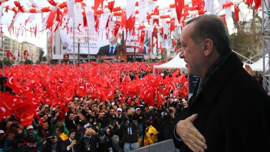 Warum sind Europas Türken so Erdogan-fixiert? - EURACTIV.de